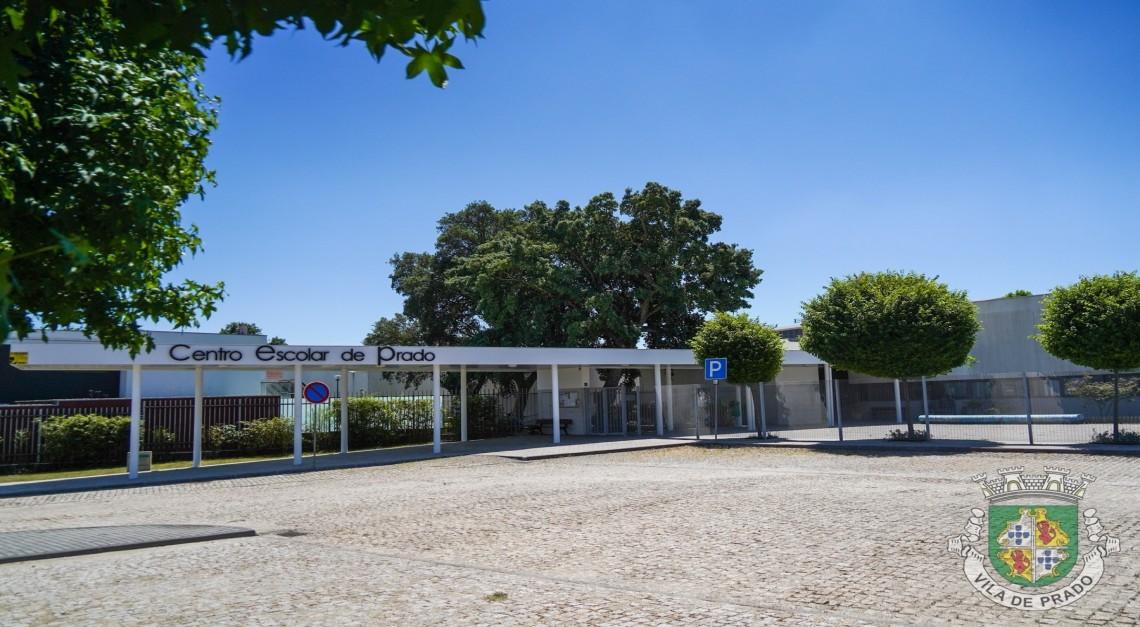 Agrupamento de Escolas de Prado doa cabazes de leite