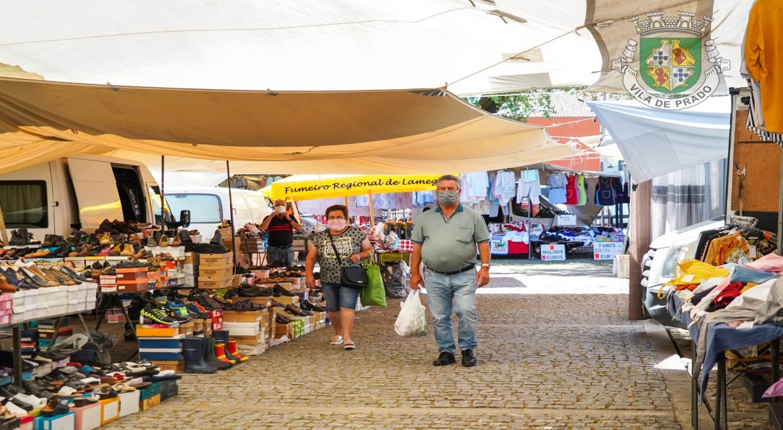 Desconfinamento. Feira Semanal da Vila de Prado volta a funcionar em pleno