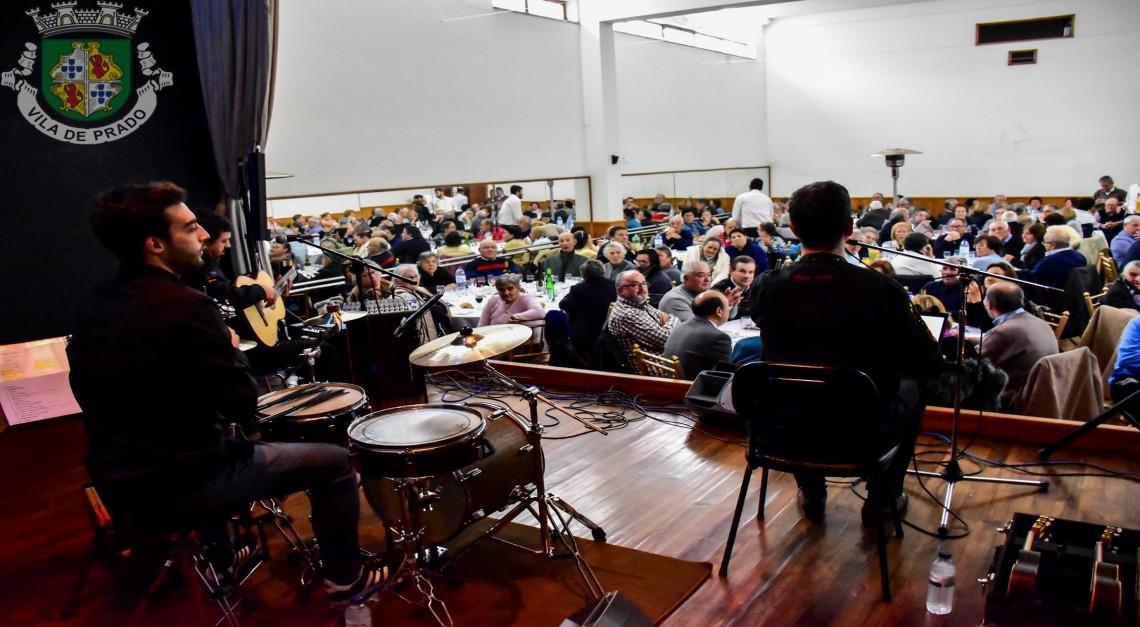 Amizade, gastronomia e boa música no almoço de Natal da Junta de Freguesia da Vila de Prado!